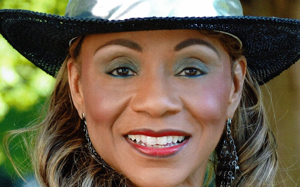 """THE HEART <EM>AND</EM> SOUL OF COUNTRY   """"First Lady of Country Soul"""" Petrella grooves in VC"""